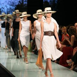 Slow Fashion, or the other face of fashion: dressing eco-friendly without sacrificing style is no longer just a utopia.